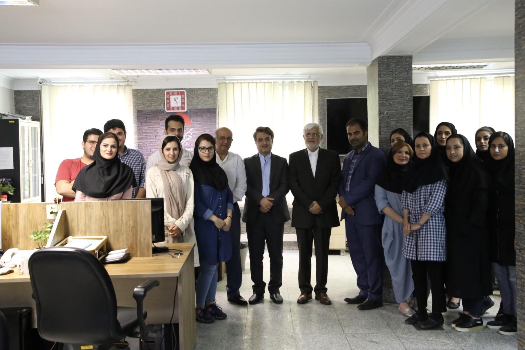 بازدید محمدرضا عارف از رسانه ها در روز خبرنگار
