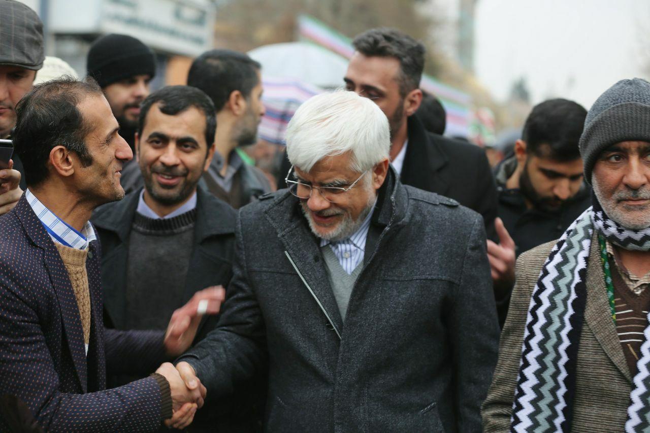 حضور دکتر عارف در جشن چهل سالگی انقلاب